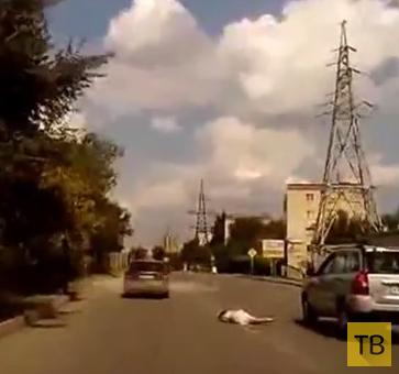 Женщина на внедорожнике сбила 52-летнюю женщину... ДТП в г. Волгоград