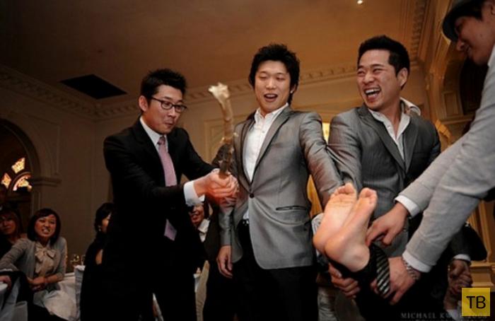 Топ 11: Самые безумные свадебные традиции (11 фото)