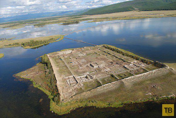 Озеро Тере-Холь - красивое и загадочное место в Сибири (5 фото)