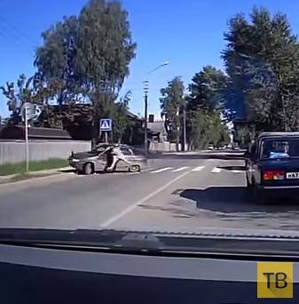 """Жесть!!! 19-летний водитель """"ВАЗ-2112"""" насмерть сбил пенсионерку на переходе... ДТП на ул. Виктора Савина, г. Сыктывкар"""