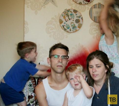 Семейный портрет с 10-й годовщины свадьбы стал хитом интернета (3 фото)