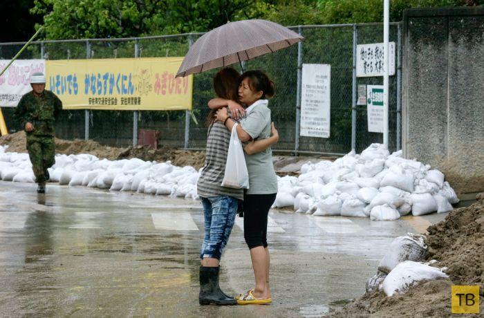 Сокрушительные оползни разрушили Хиросиму (26 фото)