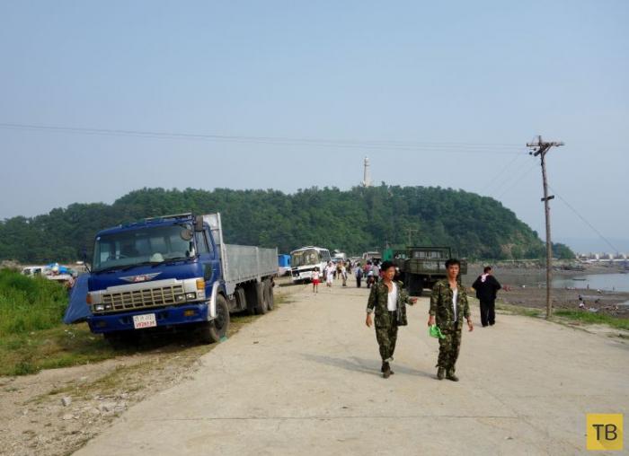 На пляжах Северной Кореи (24 фото)