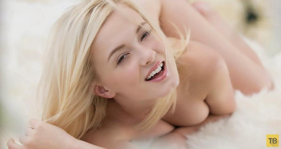 Обворожительная блондинка (12 фото)