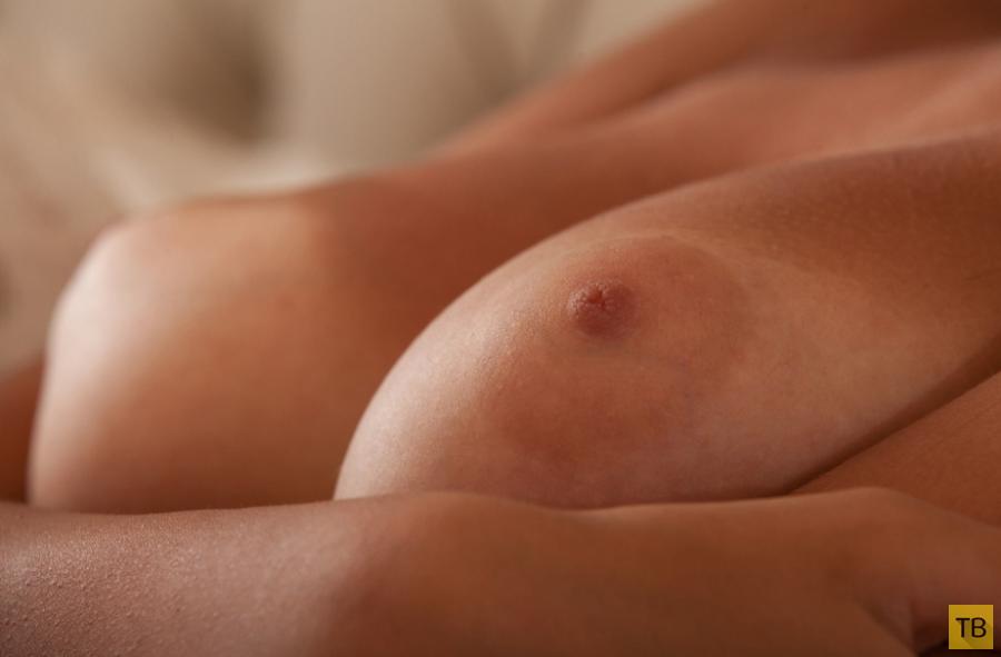 Красивая девушка с большой грудью (16 фото)