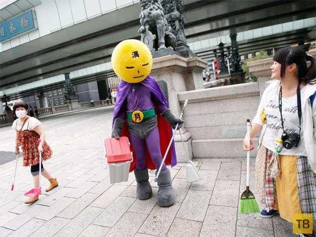 В Японии появился супердворник, сражающийся за чистоту улиц (7 фото)