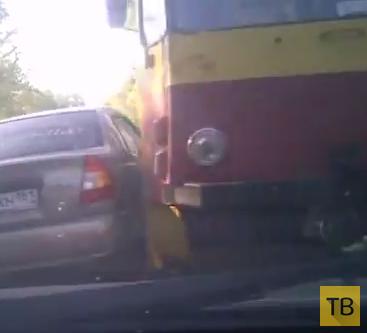 Внезапно вырулил трамвай... ДТП в г. Ростов