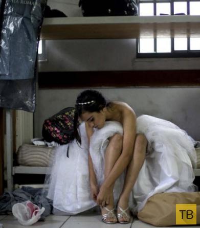 Сказочная ночь для девушек из трущоб Рио (13 фото)