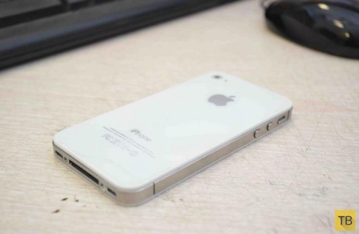 Настоящий iPhone весит тяжелее поддельного барахла (5 фото)