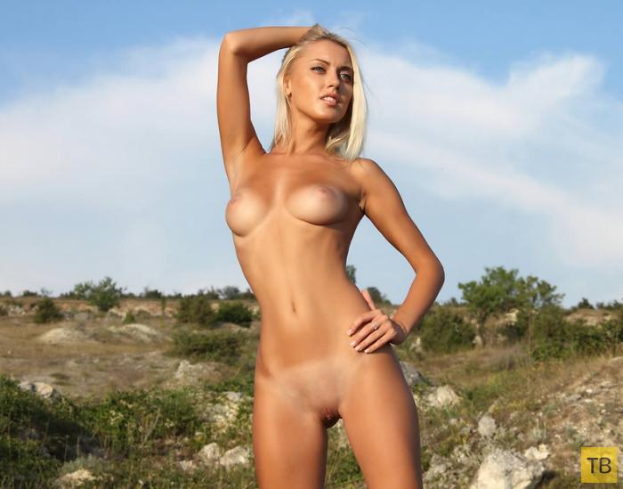 Красивая девушка с шикарной фигурой (12 фото)