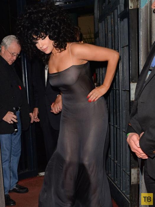 Гага в занавеске в Брюссельском джаз-баре L'Archiduc (10 фото)