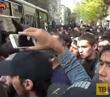 Прихожане московской мечети отбили мусульманина от сотрудников ОМОН 26.09.2014