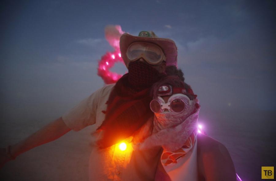 Фестиваль «Горящий человек 2014» в Неваде (24 фото)