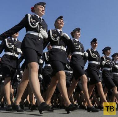 Подборка интересных и захватывающих фотографий, сделанных во время военных парадов в разных странах (22 фото)