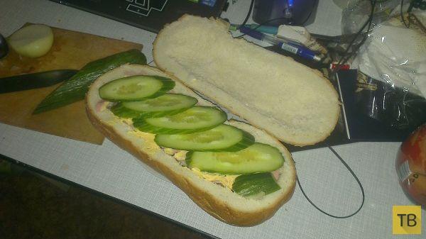 Горячий бутерброд для голодного мужика (14 фото)