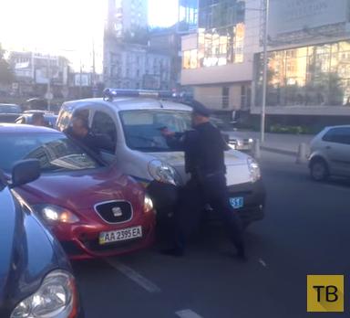 Задержание вооруженного мужчины Киев, ТРЦ Гуливер