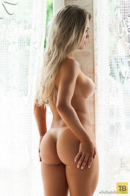 Сисястая блондинка, часть 2 (13 фото)