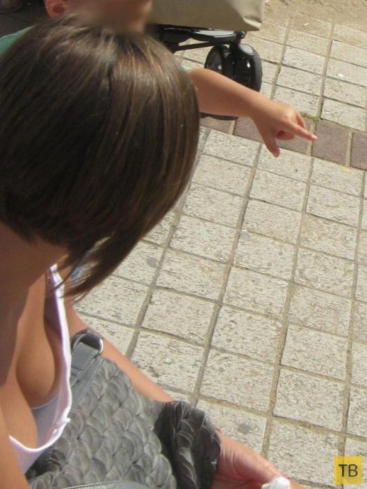 Девушки на улицах города (20 фото)