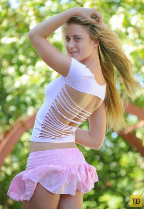 Пухленькая блондинка (11 фото)