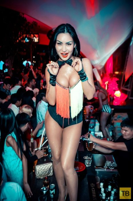 Ночные клубы Астаны. Go-Go танцовщицы (21 фото)