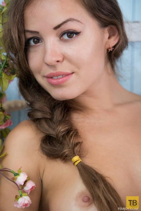 Девушка с красивой фигурой, часть 5 (22 фото)
