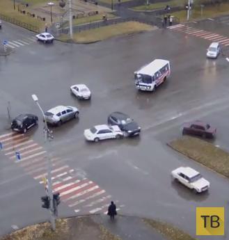 "Женщина на ""BMW"" не уступила дорогу... ДТП на перекрестке в г. Абакан"