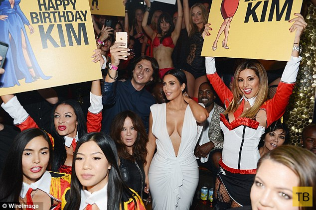 Ким Кардашян отметила 34-летие (25 фото + видео)