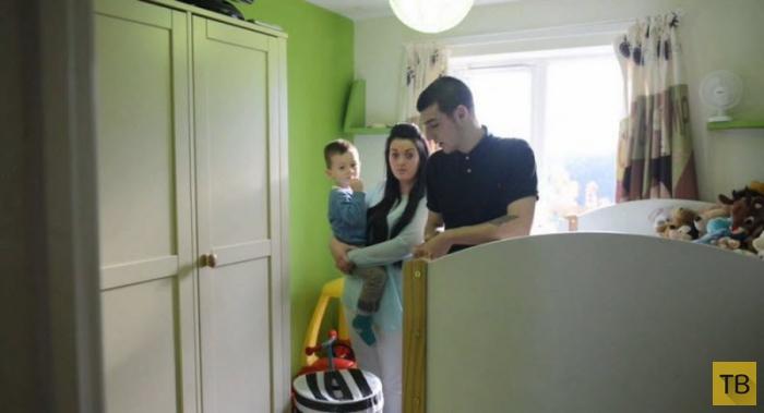 Супруги провели обряд экзорцизма после того, как их ребенок принял ванну с призраком (7 фото)