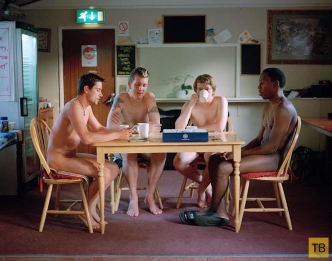 Молодые британские натуристы (19 фото)