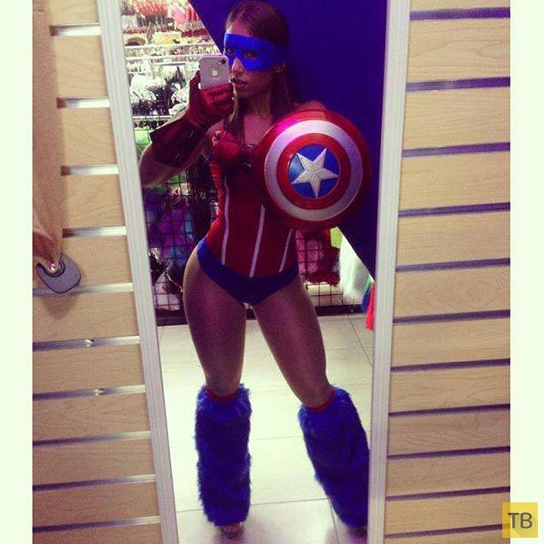 Девушки в костюмах супер-героев (21 фото)