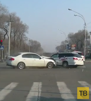 Удирал от полиции и совершил ДТП на перекрестке в г. Уссурийске