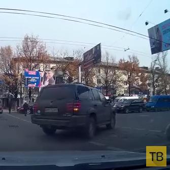 """Водитель """"Toyota Sequoia"""" совершил ДТП и удрал..."""