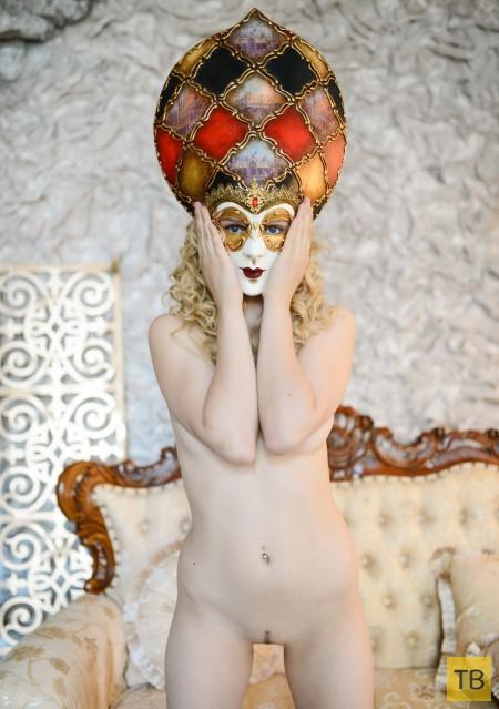 Девушка с великолепной фигурой (12 фото)